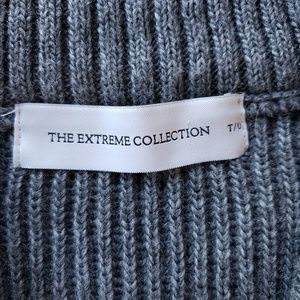 The Extreme Collection Sweaters - Ribbed V Neck Long Sleeve Sweater